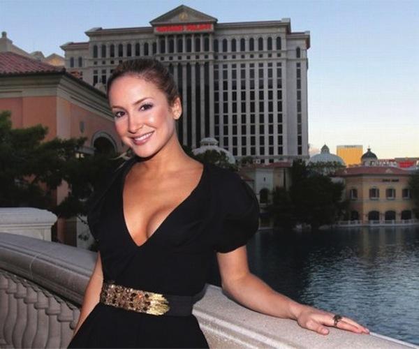 Claudia Leitte passa suas férias em Las Vegas