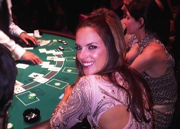 Alessandra Ambrosio em cassino em Las Vegas