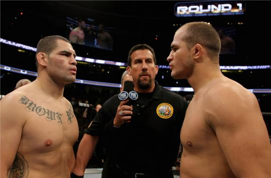 UFC Cain Velasquez X Junior Cigano