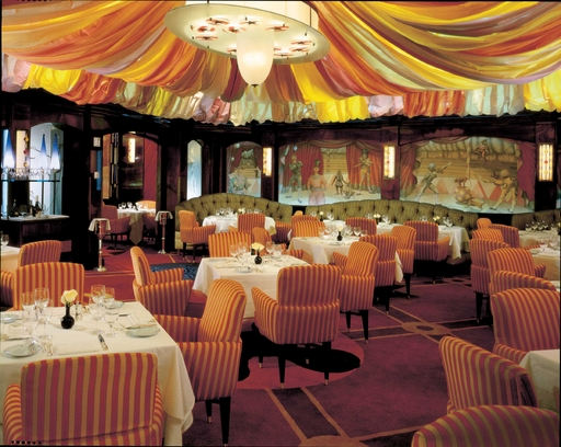 Le Cirque - intimate setting with exquisite French cusine